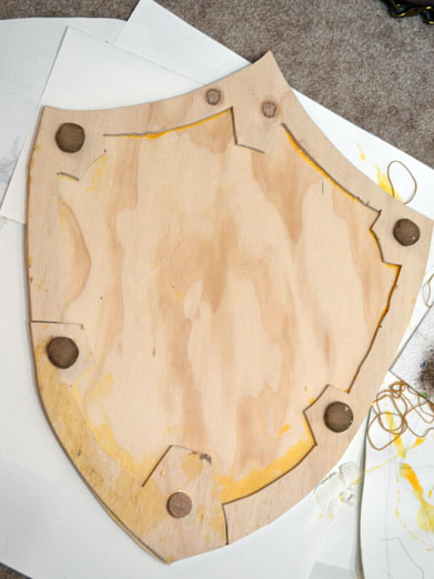 How A Cosplay N00b Made A Hylian Shield A Photo Tutorial