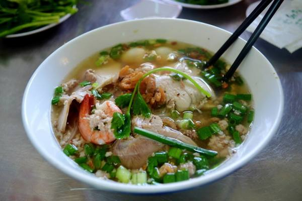 """I believe this is called... """"hu tieu""""?"""